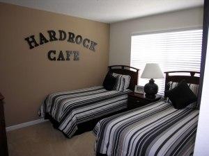 são 6 quartos, mas olha que lindo esse!